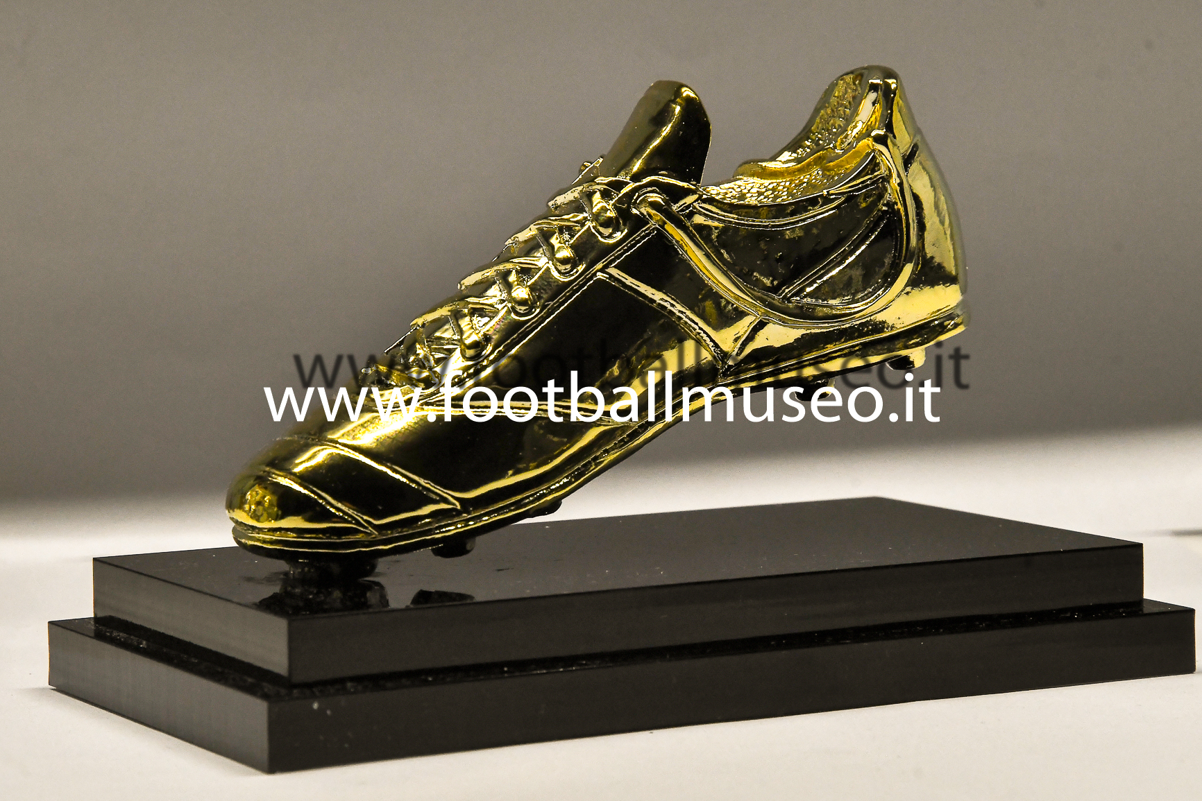 GOLD SHOES REPLICA TROPHY